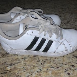 Adidas Grand Court Shoes. White and Black Size 7